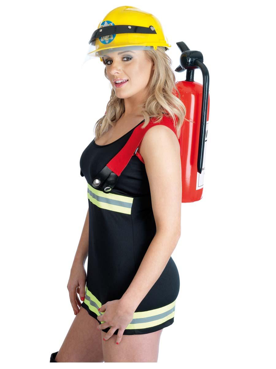 Девушка пожарница фото